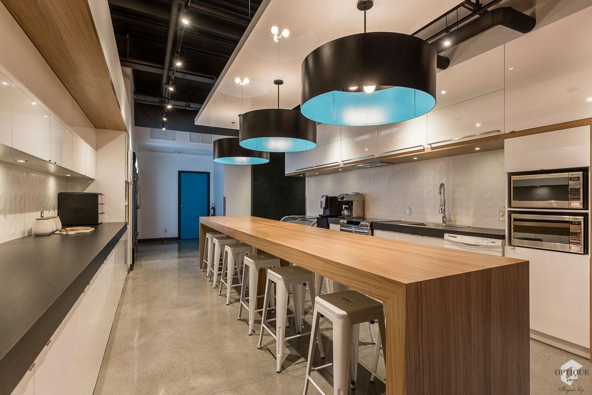 Idée décoration cuisine cafétéria d'entreprise