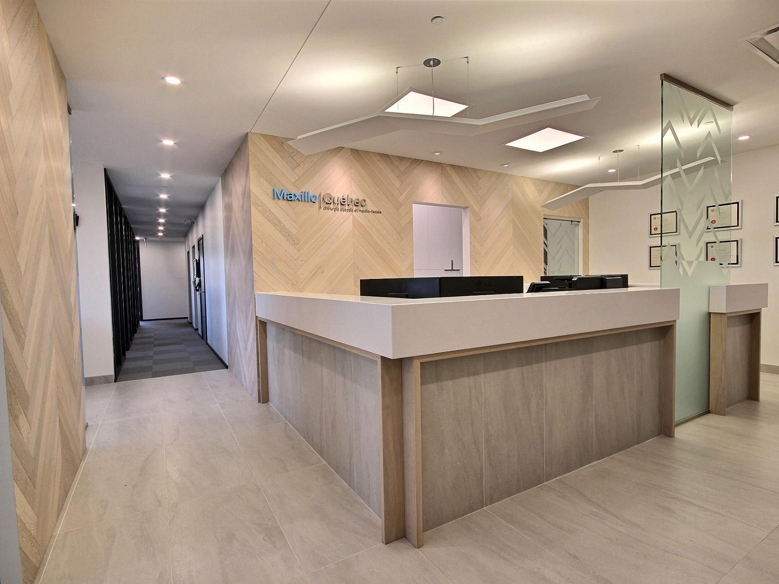 Design intérieur accueil clinique dentaire