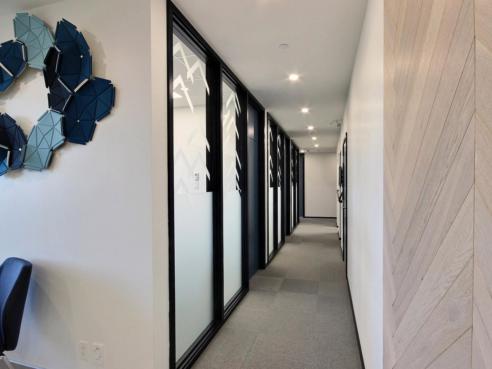 Couloir entreprise design intérieur