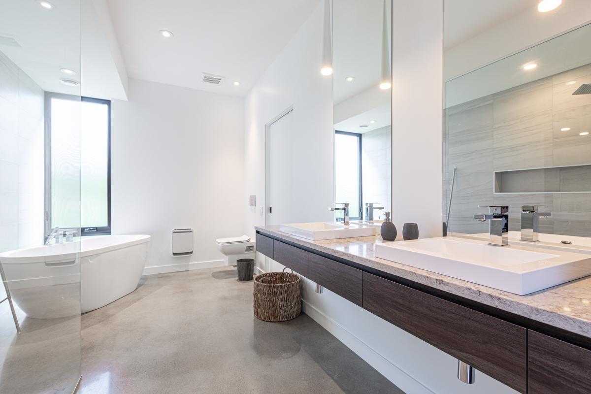Design d'intérieur salle de bain moderne